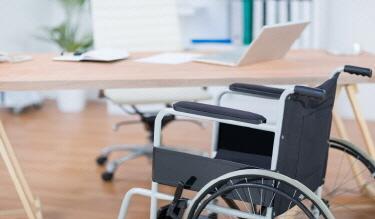 자동차를 빌리는 경우에도 장애인 사용자동차 표지를 받을 수 있나요?